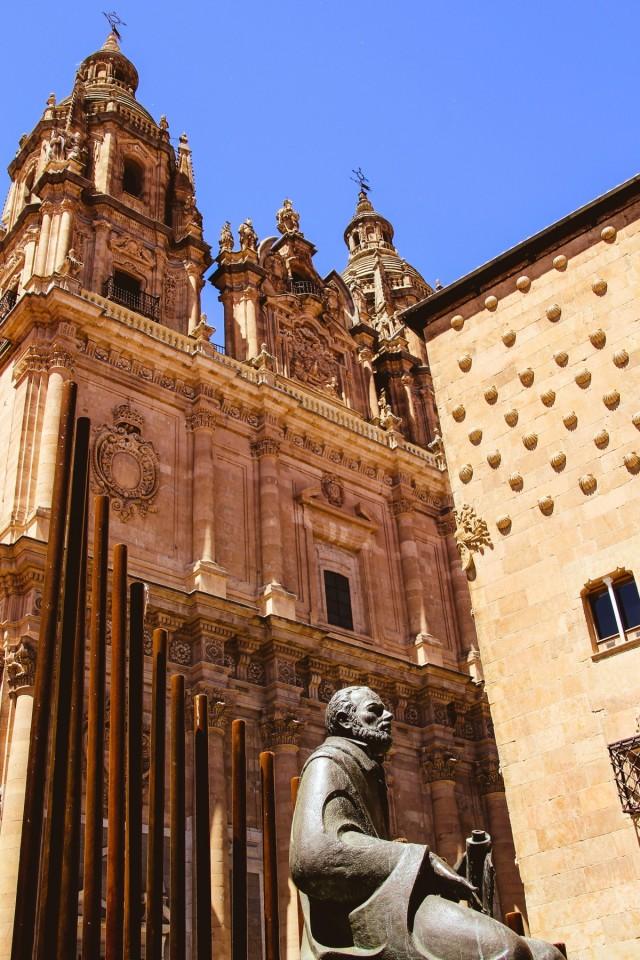 6a–pontifical_house_shells_sculpture_statue_salinas-1402283.jpg